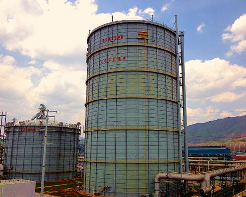 云南昆明钢铁8万m3圆筒型橡胶膜密封(两段式)转炉煤气柜(左)